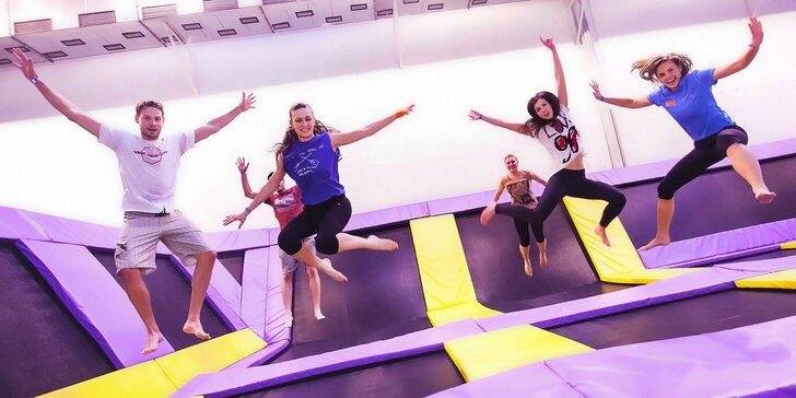 Hodina řádění v JumpParku Jarov: trampolíny, pěnový bazén a další atrakce
