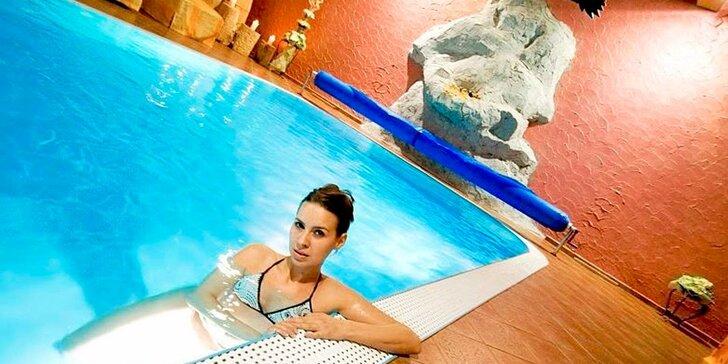 120 minut ve wellness zóně s termálním bazénem i saunou a pivní koupel pro 2