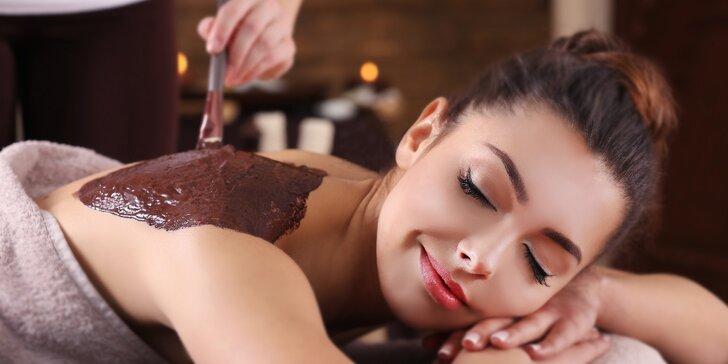 Čokoládová relaxační masáž zad a šíje s peelingem a zábalem v délce 60 minut