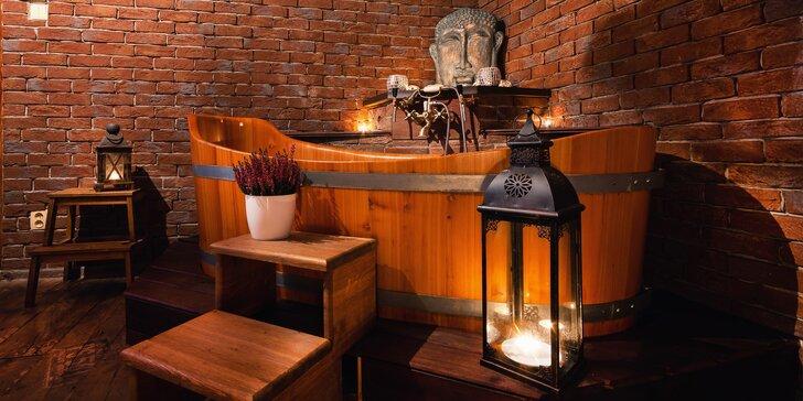 Spa koupele ve vířivé dubové vaně dle výběru pro 2 osoby: koupel dle výběru, svíčky i hudba