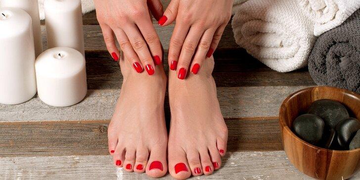 Relaxační nehtový balíček: Manikúra a pedikúra vč. lakování a masáže