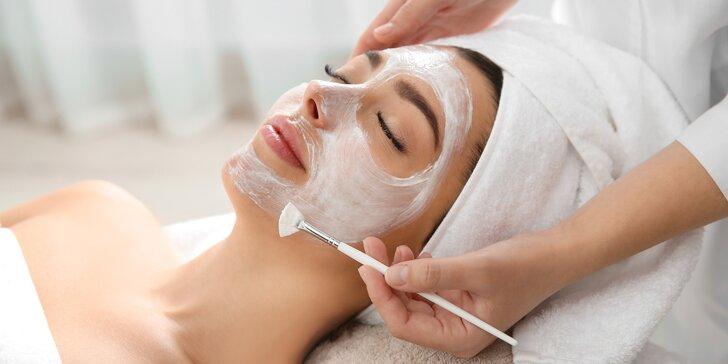 Kosmetické balíčky pro ženy i muže: hloubkové čištění i liftingová masáž obličeje