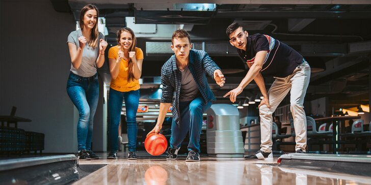 Kuželky, třeste se: hodina bowlingu v čase 11:00–18:00 až pro 6 hráčů