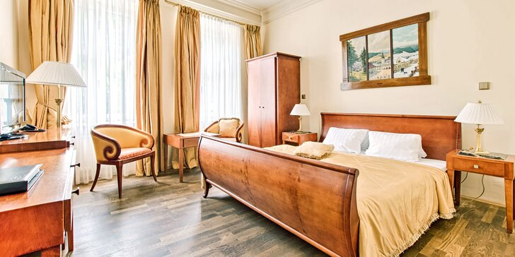 Pobyt v luxusním historickém hotelu ve Štramberku se snídaní či polopenzí, vínem a Lašskými lázněmi
