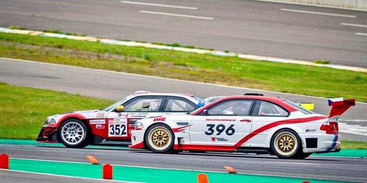 Uhánějte v závodním speciálu BMW: 2 nebo 5 kol na okruhu jako řidič či spolujezdec