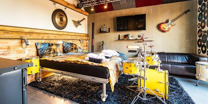 Wellness Rock Live apartmán s vířivkou, koupacím sudem a pravým rockerským vybavením