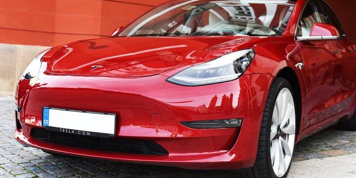 Jízda do budoucnosti: spolujezdcem i řidičem v elektromobilu Tesla Model 3