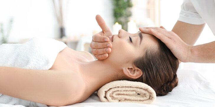 Indická masáž hlavy a regenerační masáž s rostlinnými a esenciálními oleji