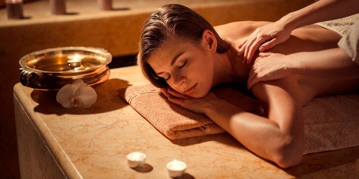Hodina relaxace: lávové kameny, bambusová, klasická nebo medová masáž
