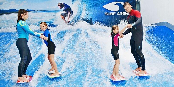 Chyťte s dětmi vlnu: jízdy na surfovém simulátoru a limonáda i pizza dle výběru