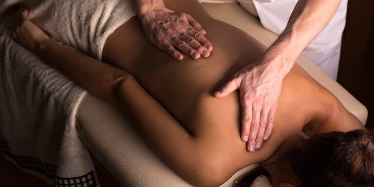 Relaxační masáž zad pro uvolnění svalstva v délce dle výběru