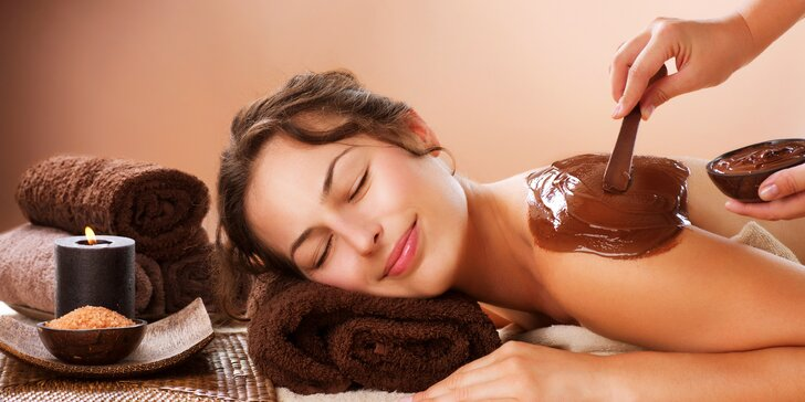 Sladký relax: čokoládová masáž i s peelingem, zábalem a šálkem čokolády