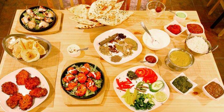 Ochutnejte indii: 8chodové degustační menu s kuřecím, jehněčím i vege