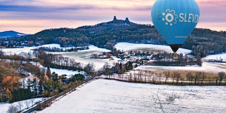 Hodina v oblacích: let horkovzdušným balónem v Čechách i na Moravě