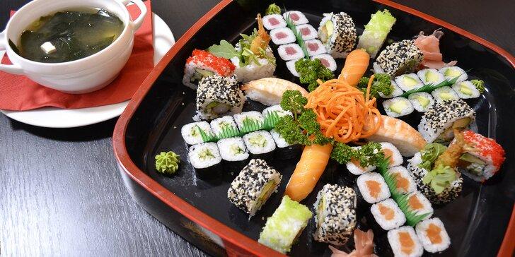 Sushi sety v restauraci ve Vysočanech: až 54 ks sushi, minizávitky i miso polévka