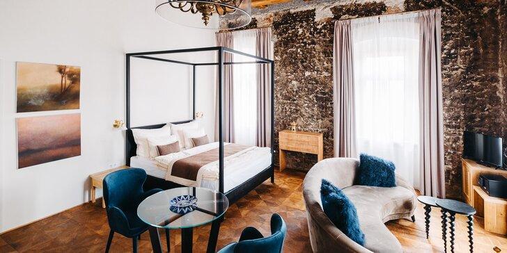 Luxusní hotel jen kousek od Prahy: pokoje se snídaní pro pár či rodinu
