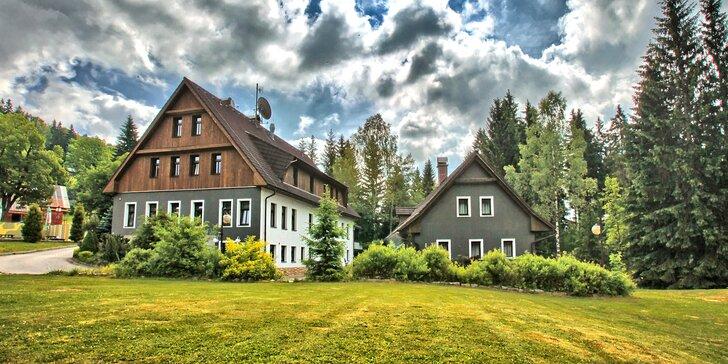Pobyt v penzionu uprostřed Jizerek: polopenze, sauna, termíny i přes léto