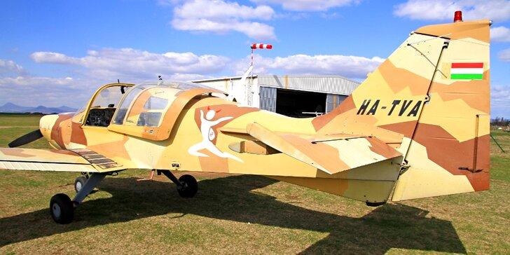 S hlavou v oblacích: akrobatický let letadlem SK61 Bulldog: 20, 25 a 30 minut