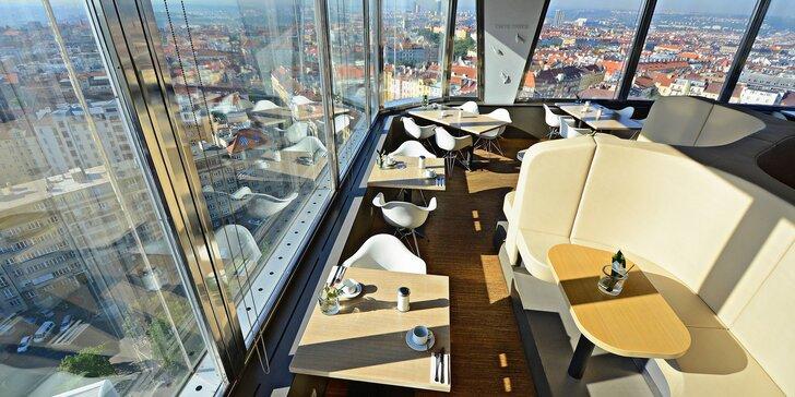 Dárkové poukazy na jídlo i nápoje ve 3 restauracích Žižkovské věže: Miminoo, Oblaca a Bistro 66