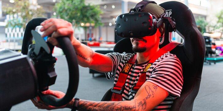 30 nebo 60 minut na závodním simulátoru, klasickém i ve virtuální realitě
