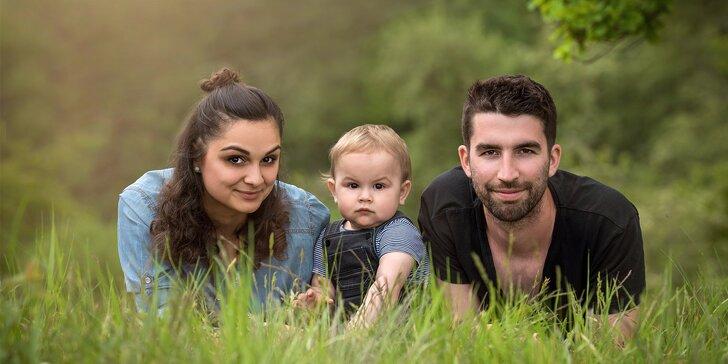 Rodinné, portrétní nebo těhotenské focení v exterieru: 60 minut a až nafocených 100 snímků