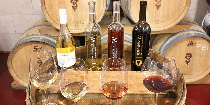 Komentovaná prohlídka vinařství Johann W s degustací pro jednoho, pár i partu až 15 osob