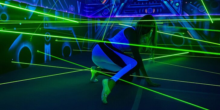 Najděte cestu ven: až 2 hry v prvním laserovém bludišti v ČR pro 1–4 hráče