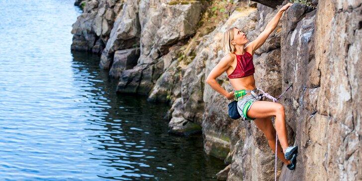 Výstup na novou ferratu ve skalnatém údolí Vltavy pro 1 osobu