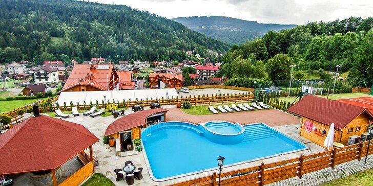 Pobyt ve 4* hotelu v polských Beskydech: snídaně či polopenze, neomezený wellness a bazény v létě