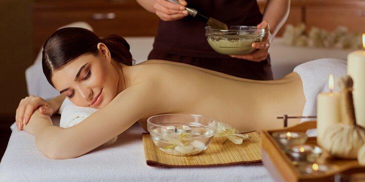 Hýčkající masáž celého těla pro ženy včetně zábalu ze sibiřských bylinek