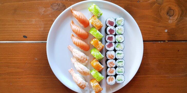 Sushi na Stodolní: 30 či 50 kousků s lososem, krabem i tuňákem nebo grilovanou krevetou