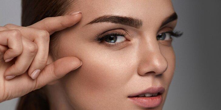 Permanentní make-up: horní i dolní oční linky, pudrové obočí či rty