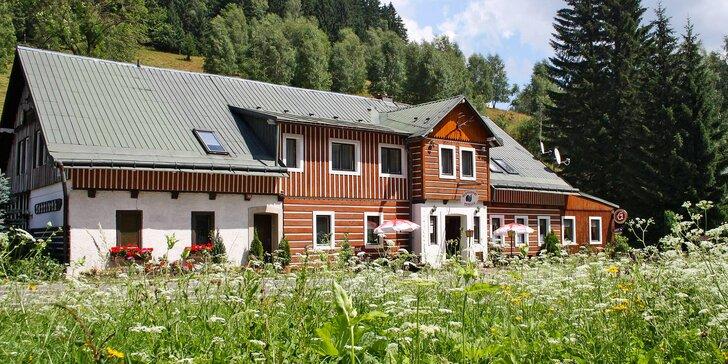 Dovolená v Krkonoších: ubytování s polopenzí jen kousek od lanovky na Sněžku