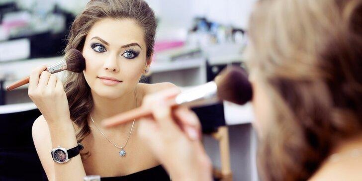 Čas na krásu: kurz líčení krok za krokem pro 1–4 osoby i varianty s balíčkem kosmetiky