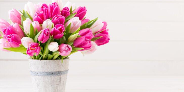 Voňavý barevný pugét holandských tulipánů i s dopravou