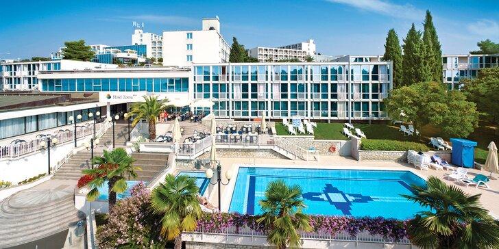 Chorvatská Istrie: 3* hotel v Poreči, 150 metrů na pláž, bazén i sportovní vyžití a all inclusive