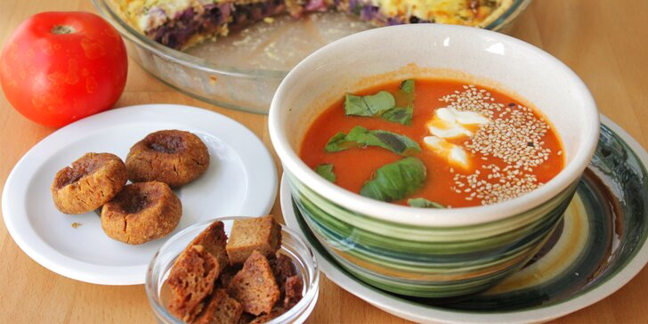 Bio polévka se žitným chlebem a třeba i slaný koláč pro 1 nebo 2 osoby