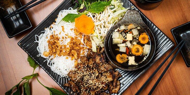 Veganské či masové menu pro 2: Pad Thai Tofu, Bún Bò Nam Bộ i Bún Chả