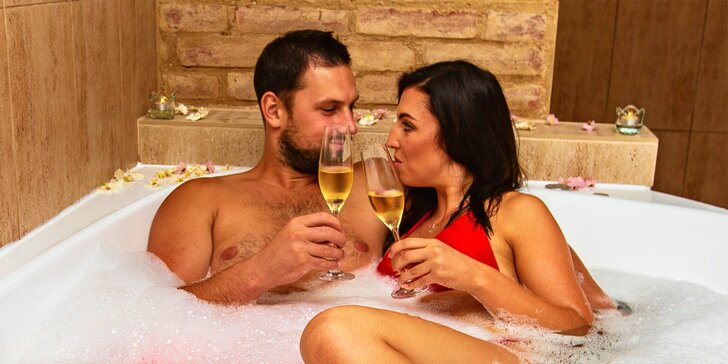 Užijte si pořádný relax: 110 minut ve wellness se saunou a vířivkou pro 2 osoby