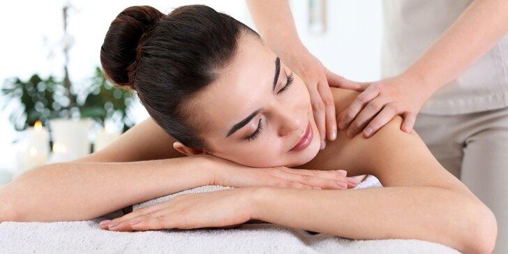 Zasloužený relax: uvolňující 60minutová office masáž v Diamond Spa