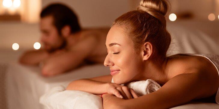 Pro pár: infrasauna a masáž dle výběru, relaxační pokoj s hudbou a svíčkami