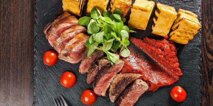 3chodové menu v zámecké restauraci pro 1 nebo 2 osoby: terina, kachní prsa a šlehačková roláda i s možností rozvozu