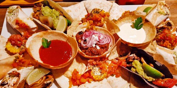 3chodové menu v mexické restauraci pro 2 osoby: polévka, plato dobrot a dezert