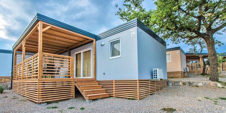 Dovolená v Chorvatsku: plně vybavené mobilní domy až pro 8 osob, blízko moře