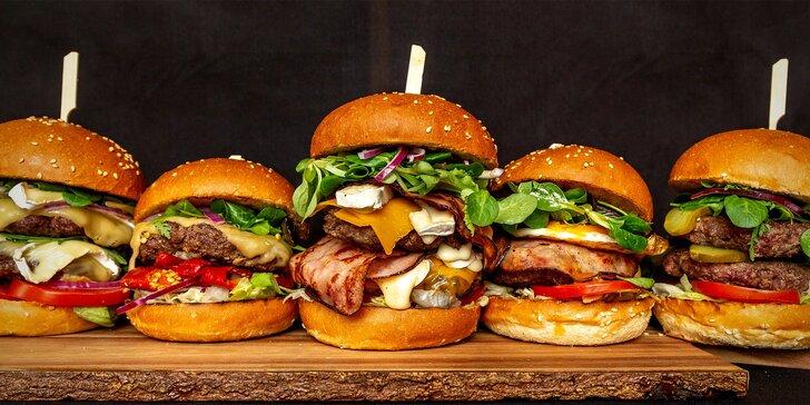 Burger menu: 100% hovězí z českého chovu, americká BBQ omáčka, hranolky i drink