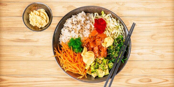 Skvělé jídlo pro 2 v centru města: poké s lososem, tuňákem i vegetariánské