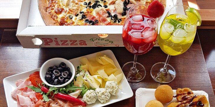 Itálie s sebou: 1 či 2 pizzy, drink i limo nebo rovnou celý piknik se salámy, sýry a smaženými koulemi