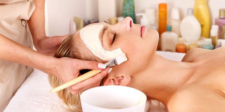 Kosmetické ošetření: 60–100 minut, arganový olej, hydratace, anti-aging i parafín na ruce