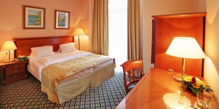 Odpočinek v Karlových Varech: lázeňský hotel s plnou penzí a až 7 procedurami