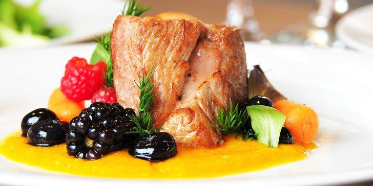 7chodové degustační menu pro dva: telecí tataráček, flank steak i vepřová panenka